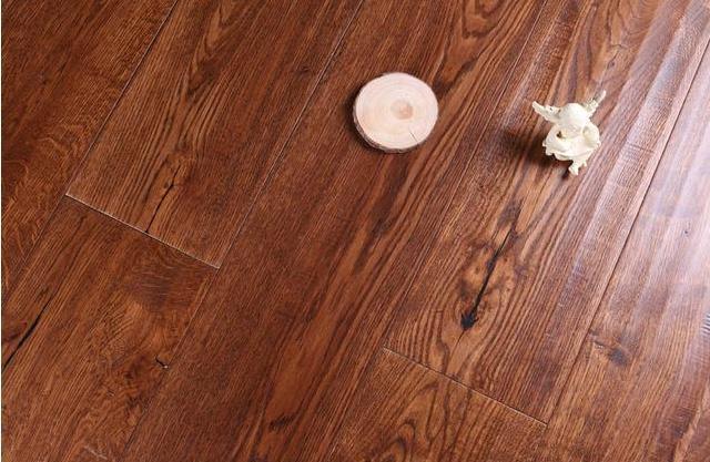 瓷砖与木地板的结合体,省钱又好用的地板材料