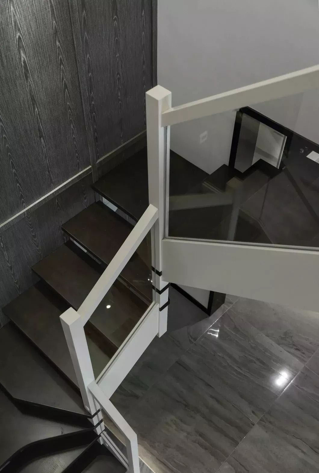 185�O简约复式楼 独特黑白灰装修不失美观