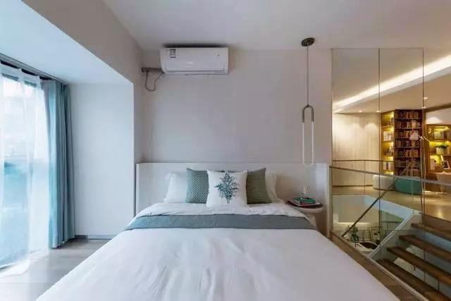 60�O小复式现代简约风装修 玻璃隔断设计巧妙又精致!