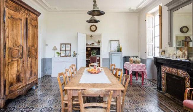 居家复古感如何营造?旧式木家具少不了!