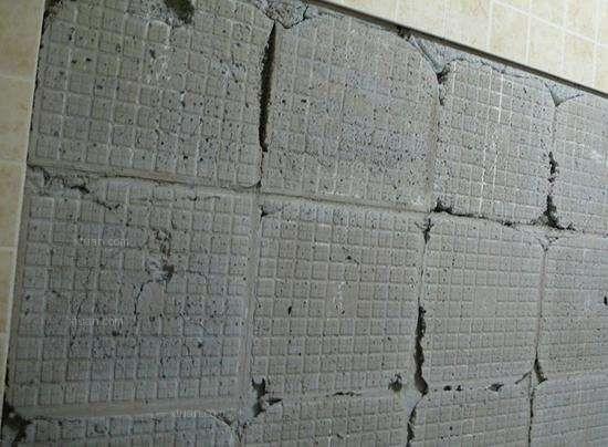 长沙装修公司丨墙砖空鼓多久脱落?应该如何处理?