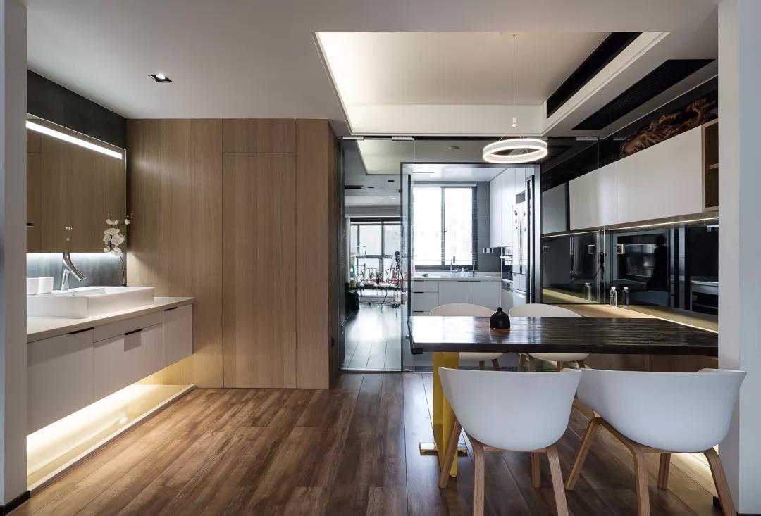 120�O现代简约装修 收纳柜式电视墙设计简洁又大方!