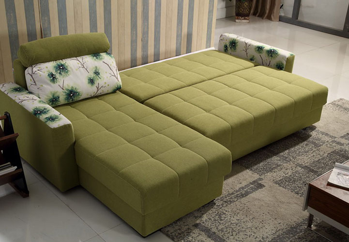 现代生活都讲究简约快捷,而多功能沙发是很符合这一特质的,且多功能沙发很受年轻人的喜欢。那么什么是多功能沙发呢?多功能沙发有什么特点?下面一起来看看吧。 一、什么是多功能沙发 功能沙发也称多功能沙发,是指相对于普通沙发而言增加了姿态调整以及形态变换功能甚至是在坐卧功能之外还有储藏、助力和按摩保健等一些附加功能的一类新型软体家具。 二、多功能沙发的特点 1、姿态调整功能 功能沙发主要依靠金属框架来实现姿态的变化,有手动的和电动的。用铁片柳合的金属框架结构取代传统沙发的固定式框架结构,铁架可以按照设计的角度和位移进行移动,从而实现沙发姿态的变化。一般在铁架上会留有多种孔位用来固定沙发的木框。 2、摇摆转动功能 通过在铁架底部添加悬挂支撑,将整个铁架支起可以使沙发整体前后摇摆,不使用摇摆功能时可以用手柄将铁架卡住。转动装置是通过将沙发整体安装在一个圆形底盘上实现的。底盘上的转轴支撑起整个沙发,可以作任意角度旋转。 3、节省空间 多功能沙发床不仅能够节约空间还具有很高的美观度。根据统计显示,大多数的多功能沙发床能够有效节省60%的空间。 4、适应多种空间 多功能沙发不只是适用于居家生活,在会客厅及休息室里也很适用。对于展示环境选用的多功能沙发床,最好是选用皮质面料。这样不仅能够节省空间还能给使用者和访客带来一种郑重、干练和端庄的感觉。