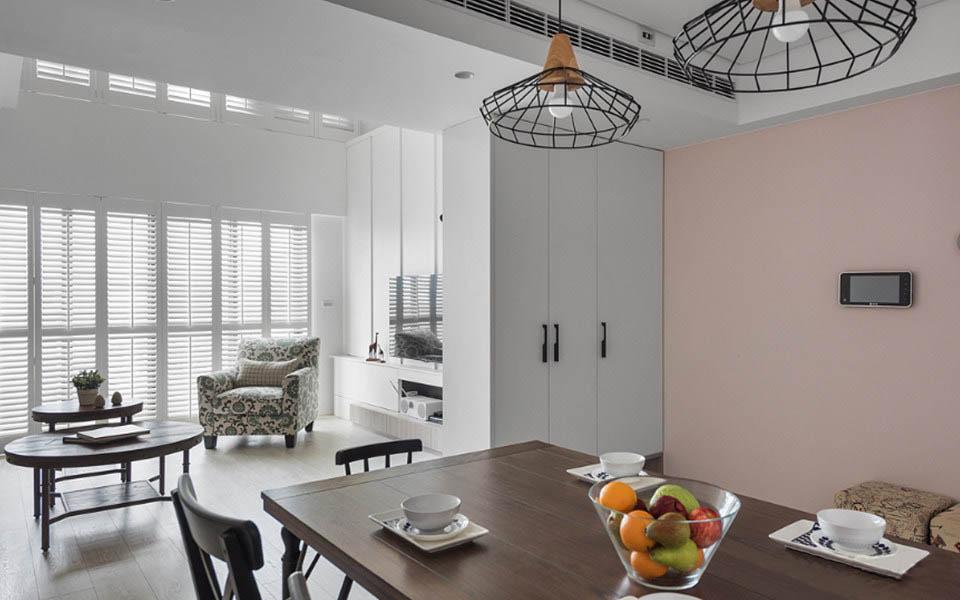 76�O复式住宅装修效果图 白色和粉色打造的清新柔美之家!