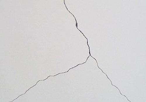 长沙装饰公司丨墙体裂缝的原因是什么?