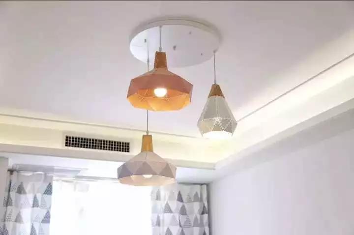 115�O3室装修效果图 简单的大白墙也很有温馨!