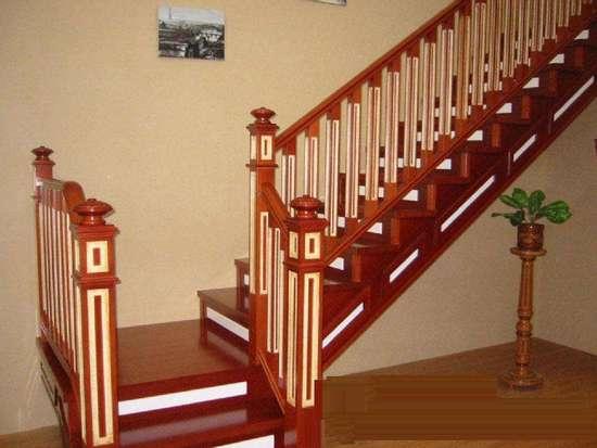 家庭装修中的楼梯有哪些风格和材质?