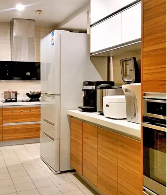 120�O三居室装修效果图 客餐厅一体化让家更温馨!