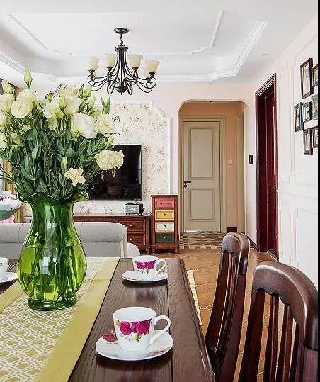 89�O浪漫田园之家 纯朴而生动的色彩搭配让家居生活丰富多彩!