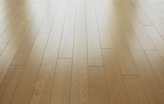 验收技巧:地板铺贴后的验收要点