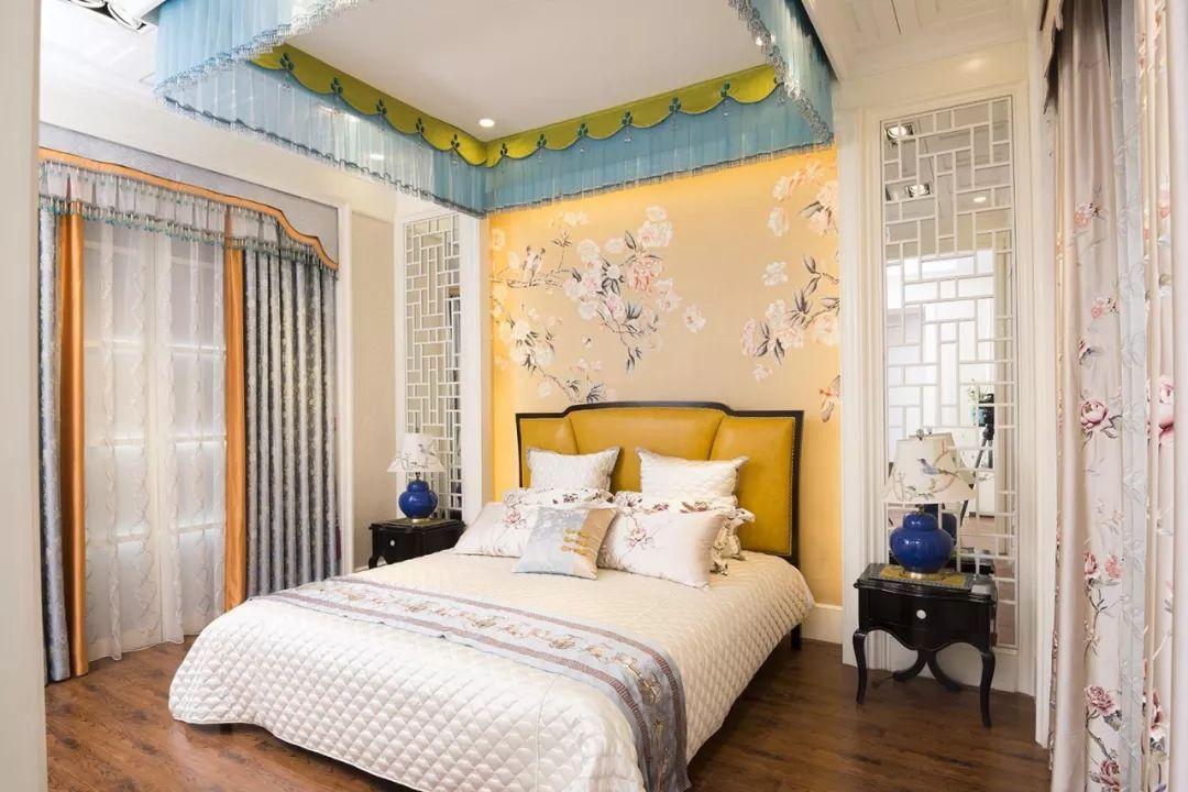 装修搭配技巧丨窗帘和墙布如何搭配?