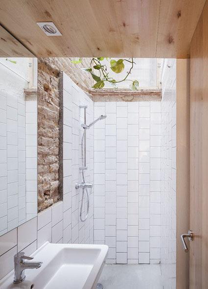 大白墙看腻了?试试红砖墙,6种不同风格的浴室红砖墙效果赏析