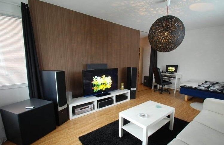 从采光和通风的角度考虑,客厅灯具和家具应该如何搭配?